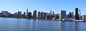 Queens-eastriver-nyc-skyline